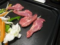 この時期のラム肉はスプリングラムなので、脂も少なくあっさりしています。