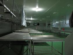 新しく作っている巨大な工場の写真