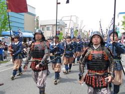 上杉甲冑行列は総勢1200名以上の大行列の一部をアップした写真