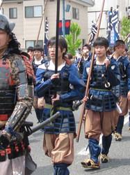 合戦に参加するのは高校生がおおいですよ、という写真。