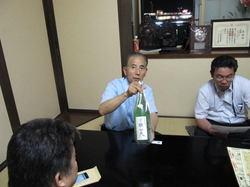 添川さんは日本酒が大好きです。ボクも大好きなのでちょうど良かった。みんなも好きらしい・・(^_^;)